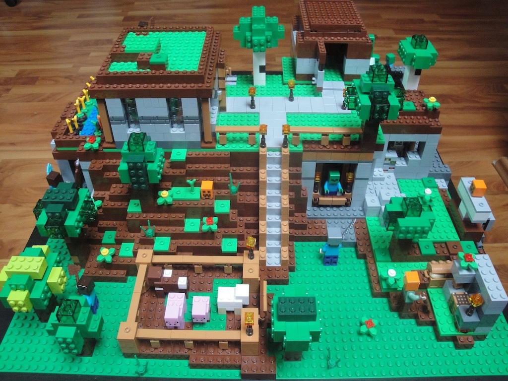 Minecraft – casutele de pe deal
