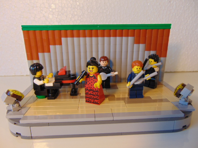 LEGO® MOC by Chyck: Spectacol pe scena