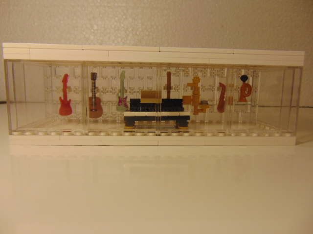 LEGO® MOC by Chyck: Vitrina cu instrumente