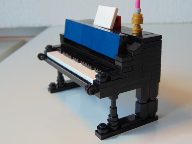 LEGO® MOC by Chyck: Pianina
